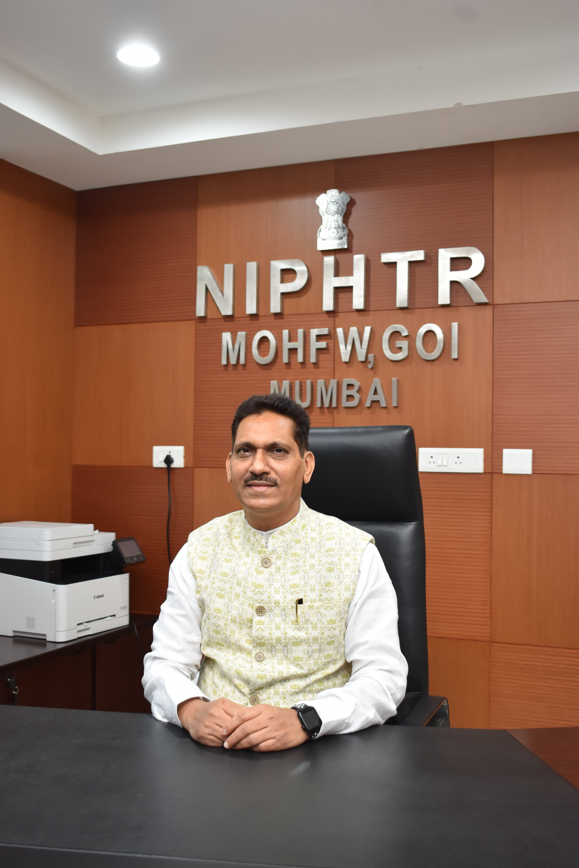 Prof.(Dr). Deepak Raut